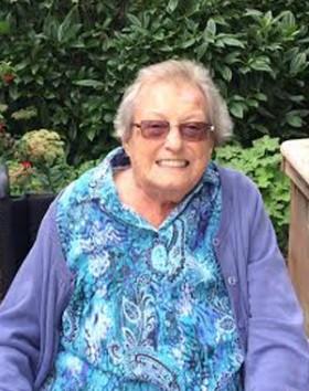 Van Leusden, Phyllis-web